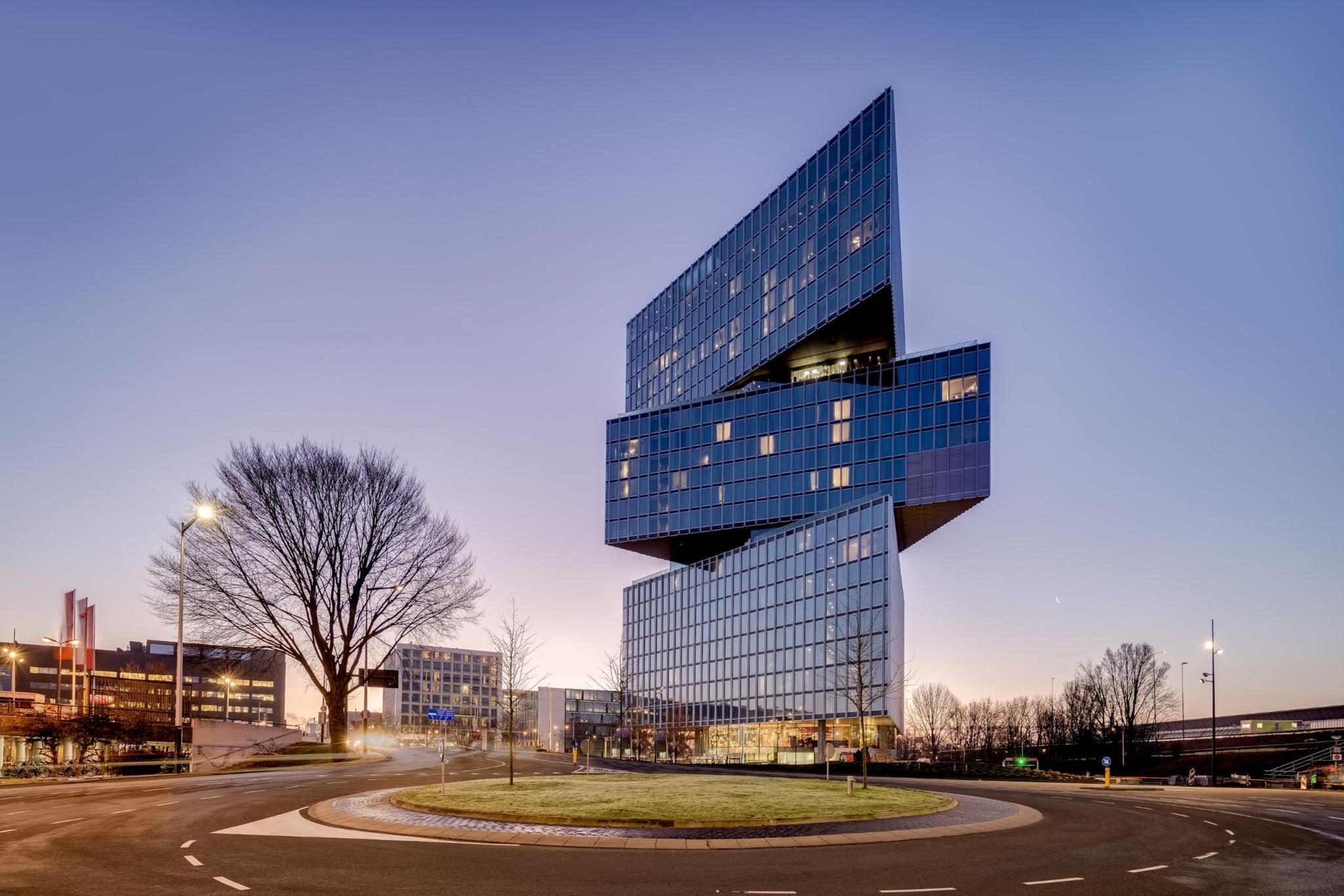 Hotellets trekantede elementer peger alle i forskellige retninger