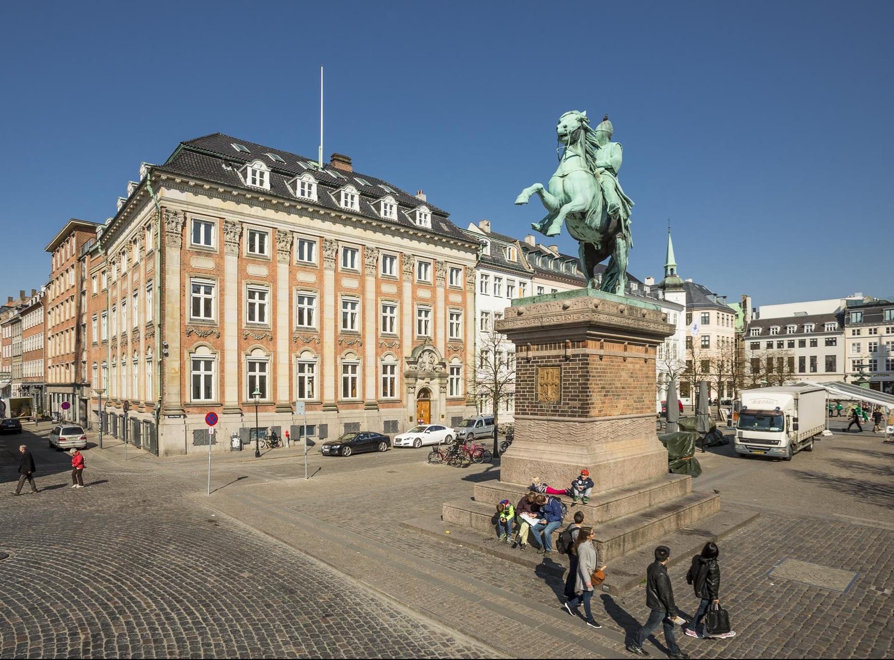 Absalons rytterstatue og Højbro Plads