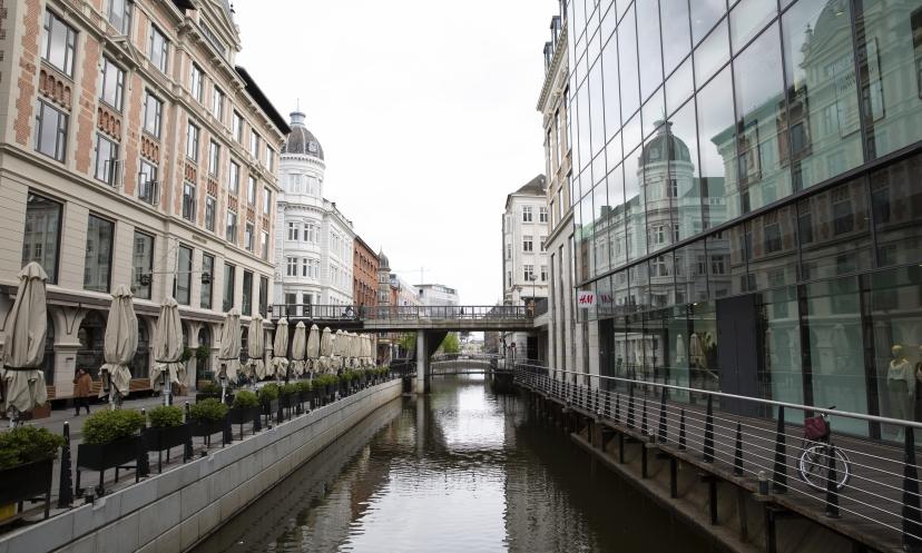 Clemensborg ligger ud til åen